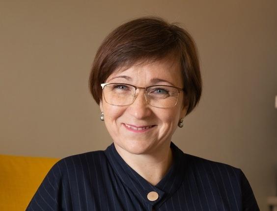 Елена Сенькова (Преподаватель математики, консультант по финансовой грамотности)