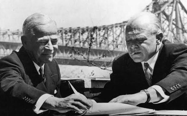 Фото 2. Чарльз Меррилл и Уинтроп Смит (справа), 1950-е годы