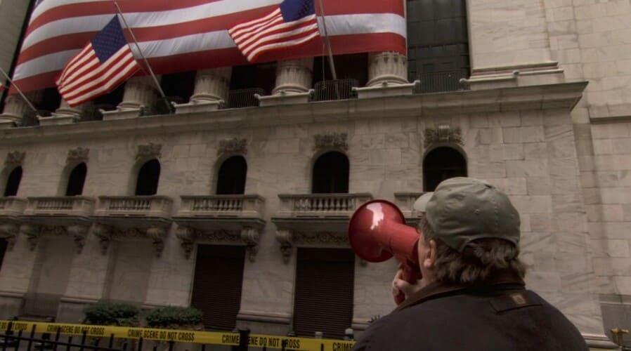 Кадр из фильма «Капитализм: История любви»