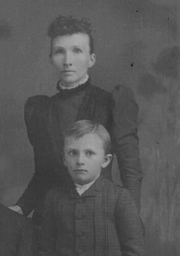 Франклин Марс с матерью Элвой