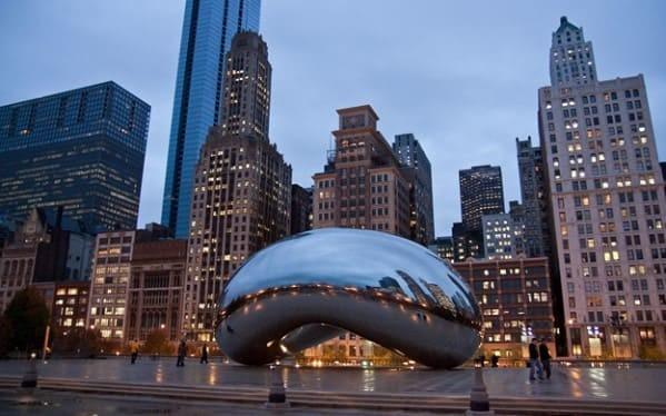 Чикаго, скульптура «Облачные врата». Фото из открытых источников