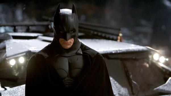 Брюс Уэйн. Кадр из фильма «Бэтмен: Начало» (2005)