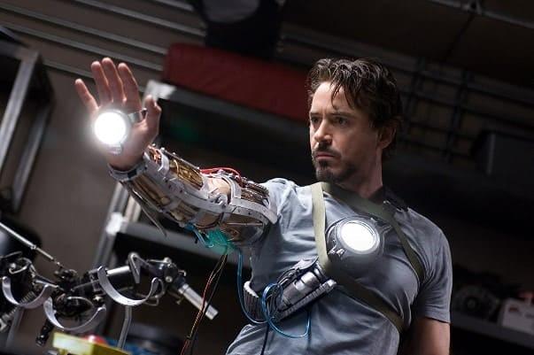 Тони Старк. Кадр из фильма «Железный человек» (2008)