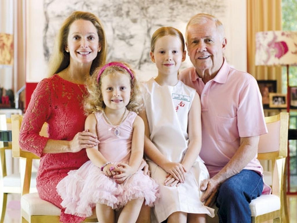 Джим Роджерс с женой и детьми