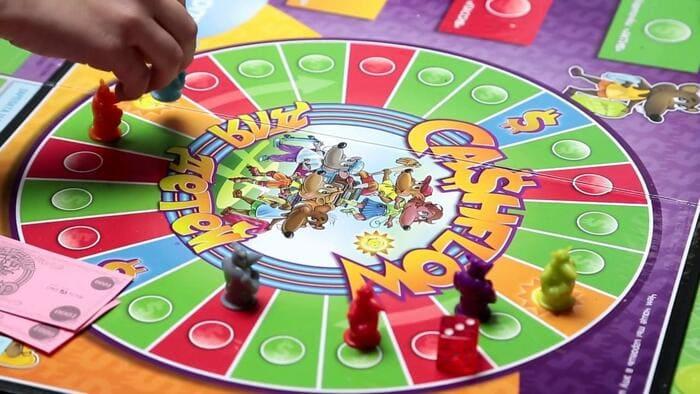 Игровое поле детской версии «Денежного потока»