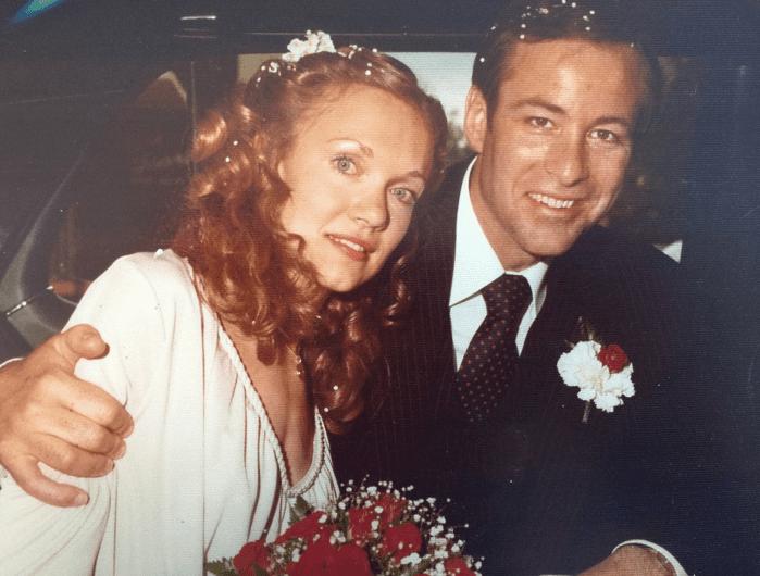 Молодой Брайан Трейси с женой Барбарой. Семья Брайана Трейси — это жена Барбара и четверо детей. Место проживания — собственный особняк в Сан-Диего, Калифорния, США. Планы на будущее — стать губернатором Калифорнии.